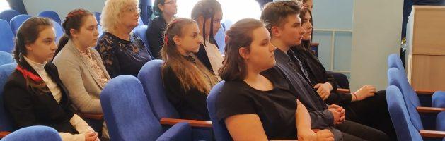 Благочинный Красносельского округа протоиерей Михаил Подолей посетил школу № 414 Красносельского района
